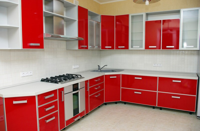 Дизайн красных кухонь фото